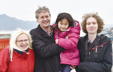 adopted chinese girl searches for her birth parents